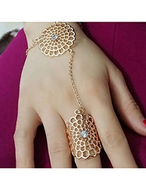 Retro Gold Color Hollow Out Flower Shape Decorated Connection Design  Alloy Korean Rings