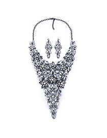 Luxury Silver Color Petal Shape Decorated Short Chain Design Alloy Jewelry Sets