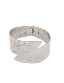 Vogue Silver Color Leaf Shape Decorated Simple Design  Alloy Fashion Bangles