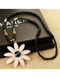 Fashion White Flower Shape Pendant Decorated Simple Design Long Chain Necklace