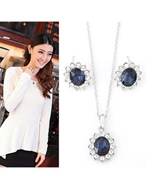 Sweet Dark Blue+white Oval Shape Diamond Decorated Flower Shape Long Necklace