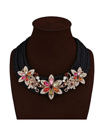 Luxury Multi-color Three Flower Shape Decorated Hand-woven Necklace