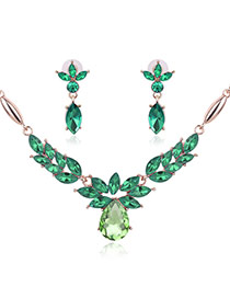 Fashion Green Oval Diamond Pendant Decorated Short Chain Jewelry Sets