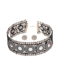 Retro Black Round Shape Decorated Hollow Out Wide Choker