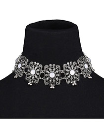 Vintage Silver Color Hollow Out Flower Decorated Short Chain Simple Choker
