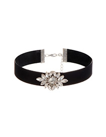 Vintage Black Diamond Decorated Flower Shape Simple Choker
