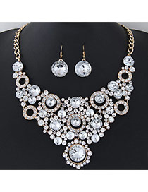 Elegant White Round Shape Diamond Decorated Simple Short Chain Jewelry Sets