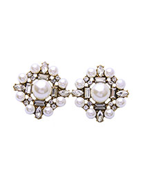 Elegant White Round Shape Decorated Simple Earrings