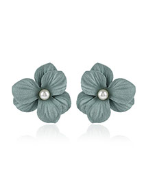Fashion Green Pearl Decorated Flower Design Simple Earrings