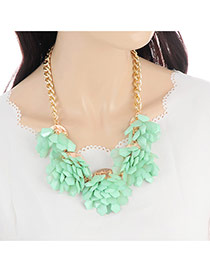 Bohemia Green Flower Decorated Simple Short Chain Design Necklace
