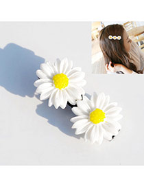 Fashion Beige Two Daisys Decorated Color Matching Hair Pin