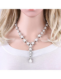 Fashion Silver Color Diamonds&pearls Decorated Flower Shape Necklace