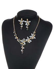 Fashion White Flower Shape Decorated Jewelry Sets
