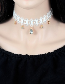 Vintage White Oval Shape Diamond Decorated Choker