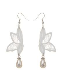 Bohemia White Flower Decorated Earrings