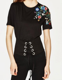 Fashion Black Embroidery Flower Decorated Round Neckline T-shirt