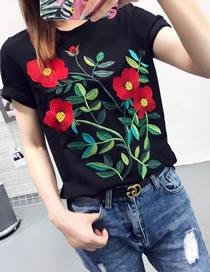 Fashion Black Embroidery Flower Decorated Simple T-shirt