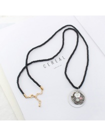 Personalized Black Flower&diamond Decorated Long Necklace